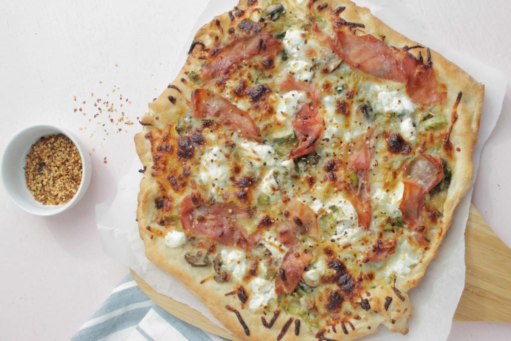 leek mushroom prosciutto pizza
